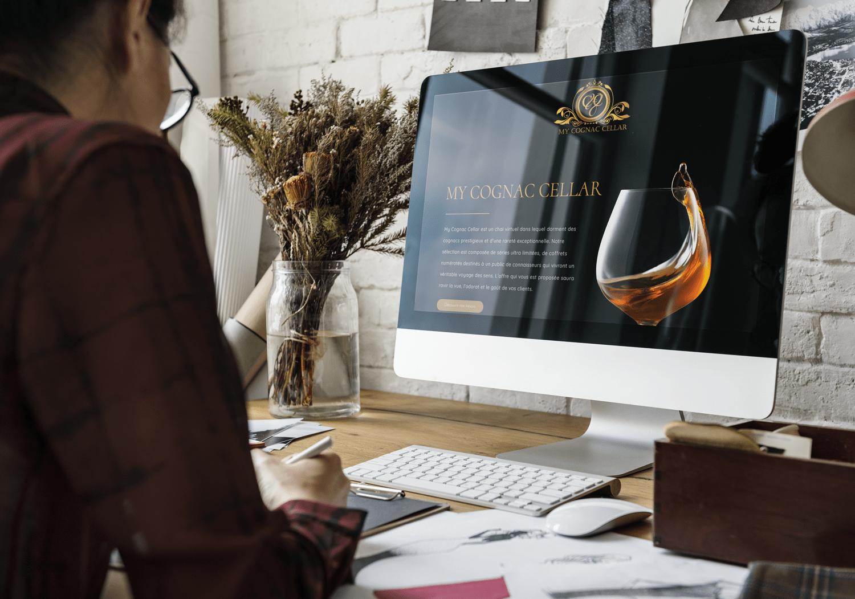 développeuse web qui travail à l'agence web sur le site de My Cognac Cellar